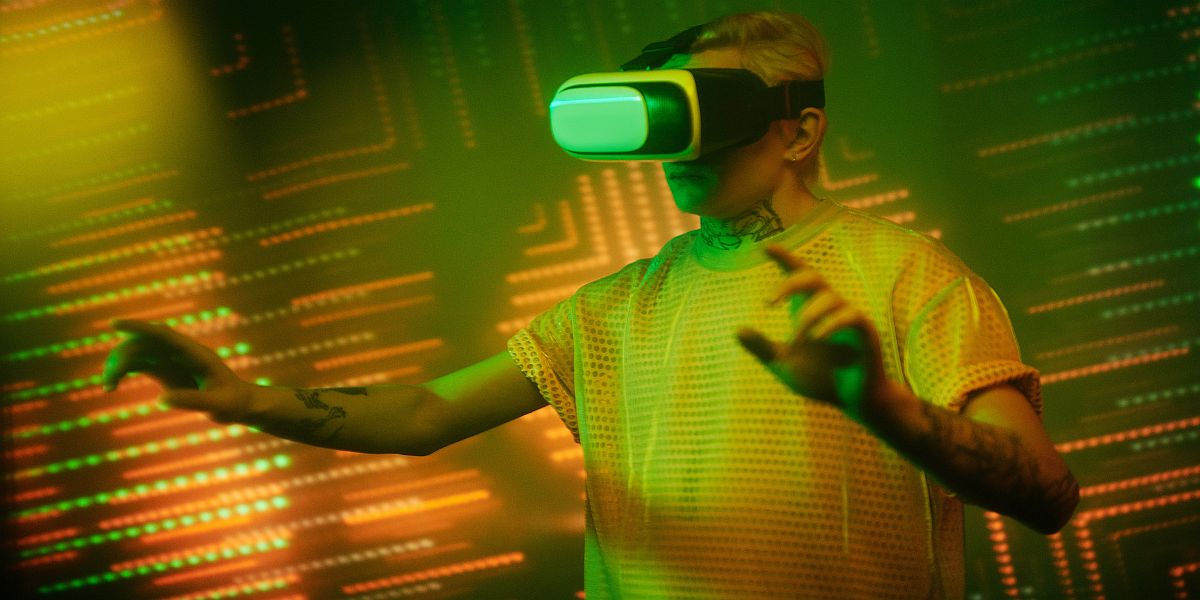 cyberspace man in VR goggles